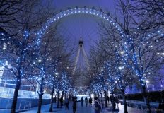 London eye in winterse verlichting, Engeland